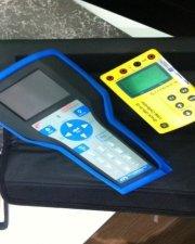 475 HART Communicator and Loop Calibrator